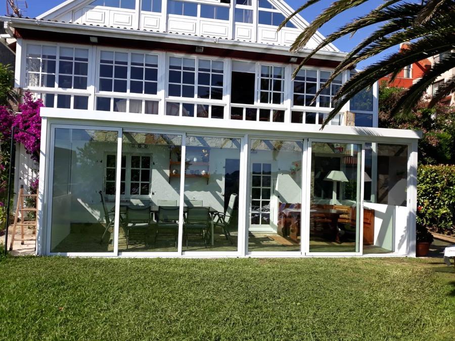 Cierre porche en Mera. Aluminios y PVC en A Coruña